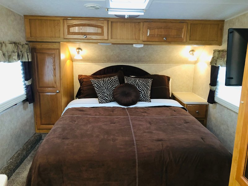 2010 Palomino Thoroughbred 829rk 5th Wheels Rv For Sale