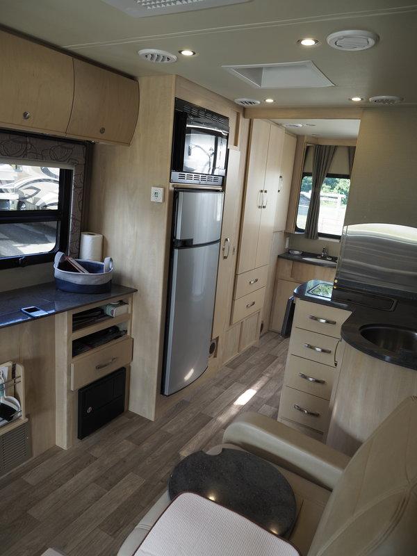2015 Leisure Travel Vans Unity U24MB