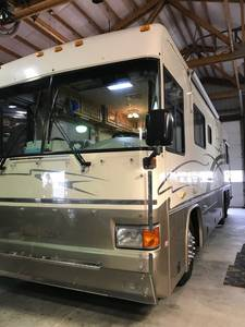 2000 Country Coach Allure 470