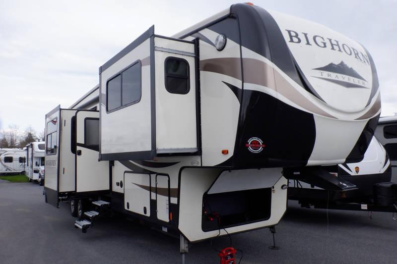 2017 Heartland Bighorn Traveler 39FL