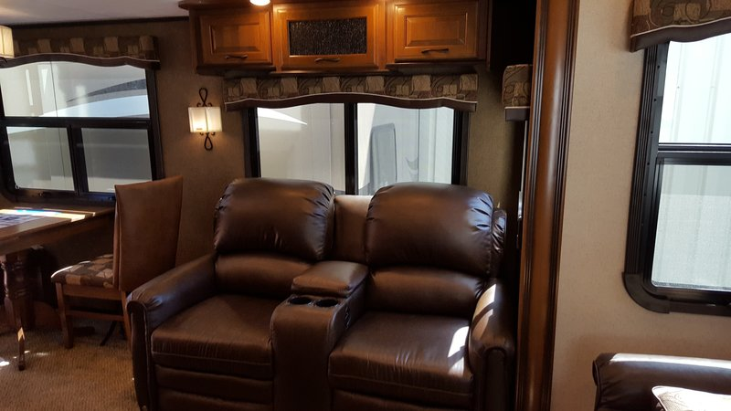 2016 Jayco North Point 377RLBH