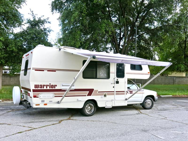 1991 Toyota Warrior by Winnebago like a Dolphin