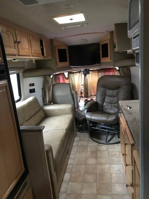 2010 Phoenix Cruiser  2551