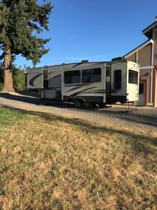 2018 Keystone Montana High Country 305-R