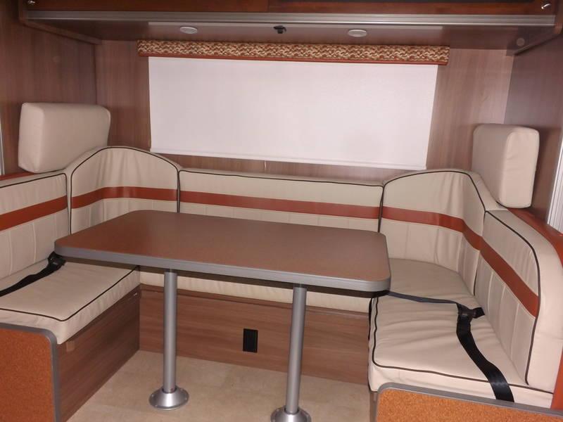 2015 Winnebago Brave ITASCA/TRIBUTE, Class A - Gas RV For