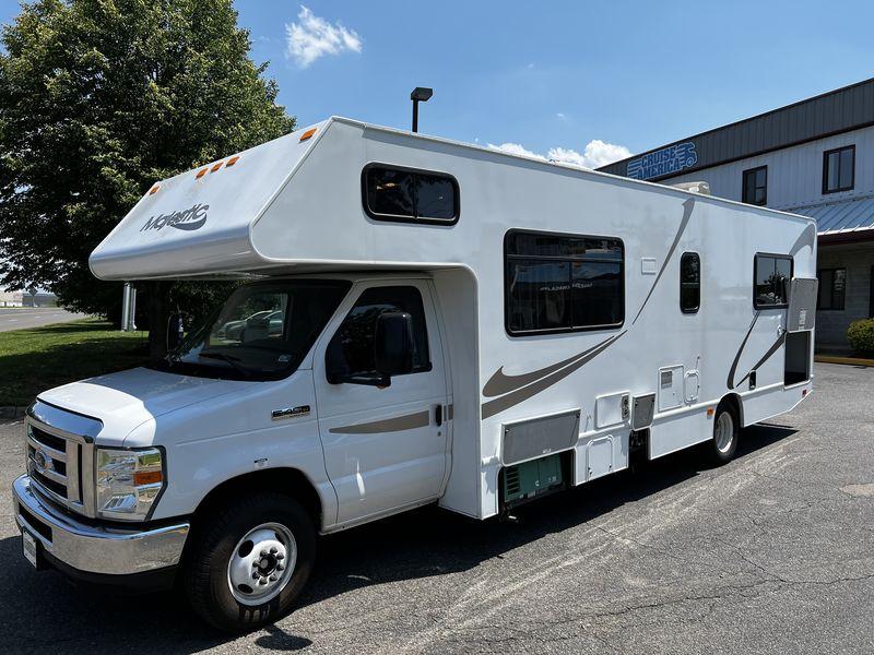 2015 Thor Motor Coach Majestic 28A