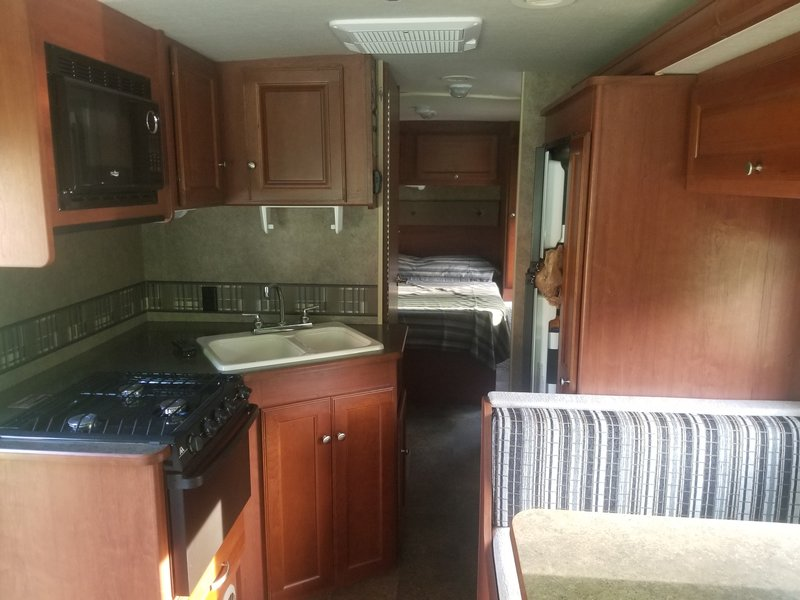 2015 Winnebago Sunstar 26HE