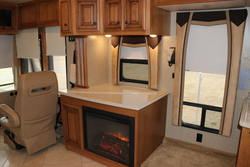 2014 Newmar Dutch Star 4038