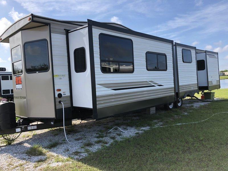2018 Forest River Salem Villa 395FK LTD Destination ...