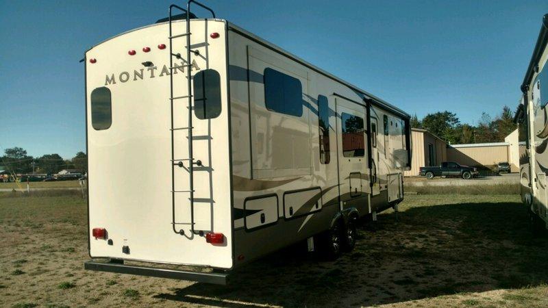 2017 Keystone Montana 3791RD