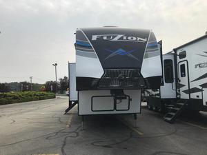 2021 Keystone Fuzion 427