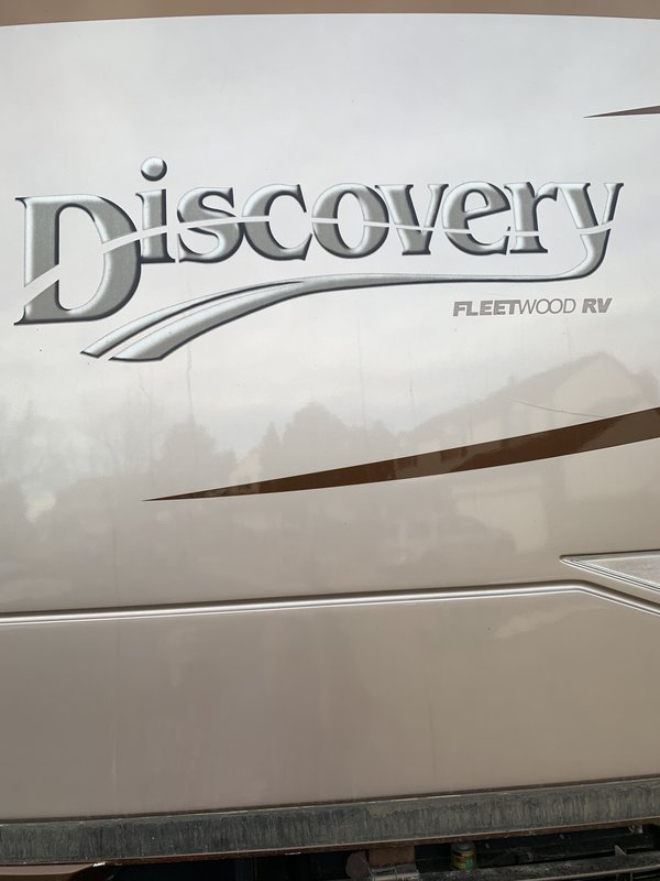 2004 Fleetwood Discovery 39S