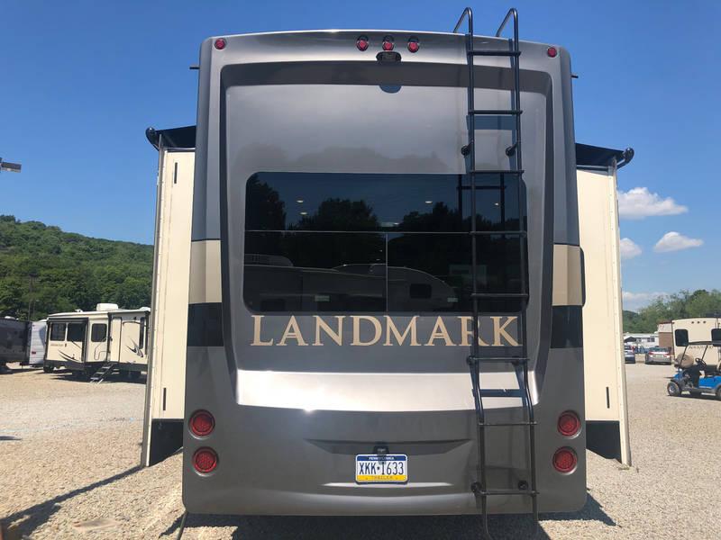 2019 Heartland Landmark NEWPORT