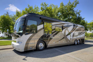 2007 Country Coach Magna Rembrandt 600 HP