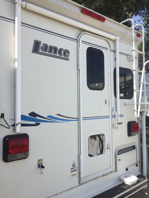 2003 Lance Lance 1130