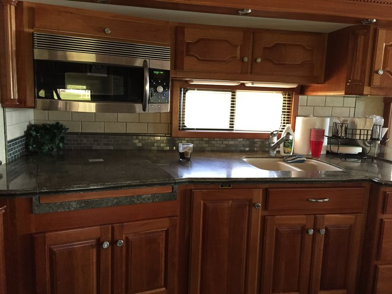 2007 Country Coach Intrigue 530 Elation