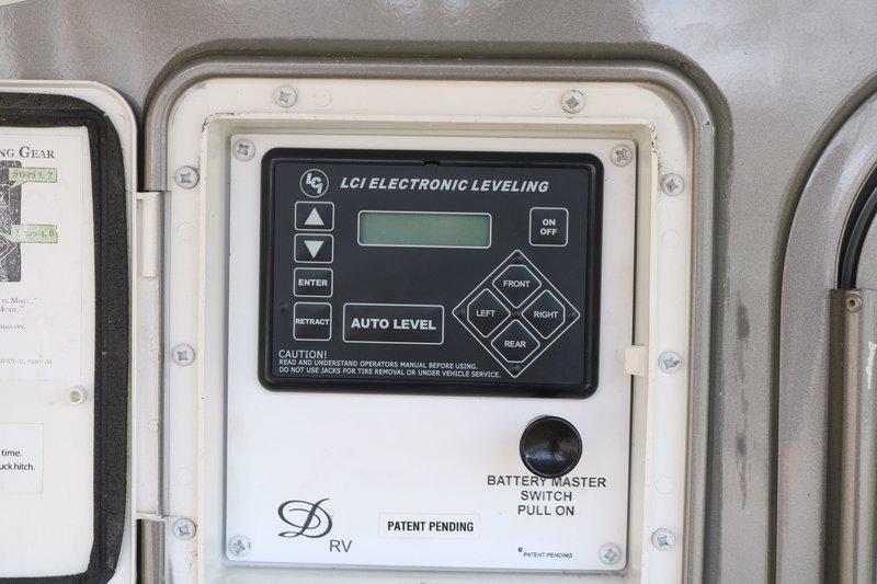 2011 DRV Mobile Suites 36RSSB3