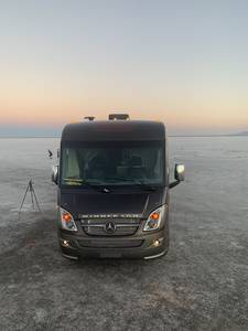 2015 Winnebago Via 25P