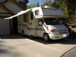 2004 Winnebago Vista 21b