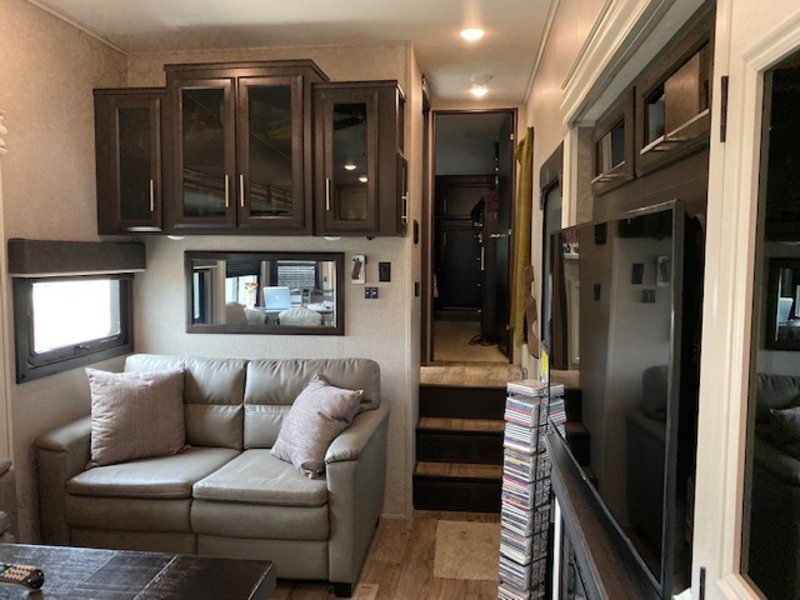 2020 Jayco Eagle 319MLOK Farm House Modern