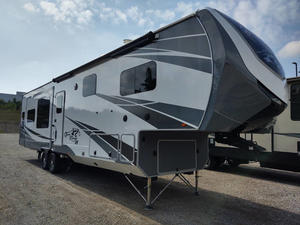 2018 Highland Ridge RV  OPEN RANGE 3X 384RLS