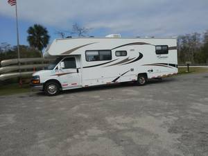 2013 Coachmen Freelander 28QB LTD