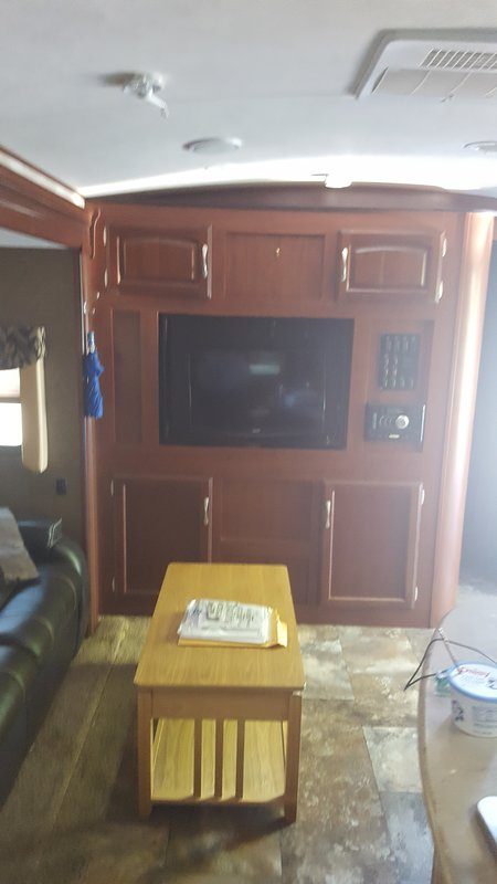 2015 Winnebago Ultralite 27RBDS