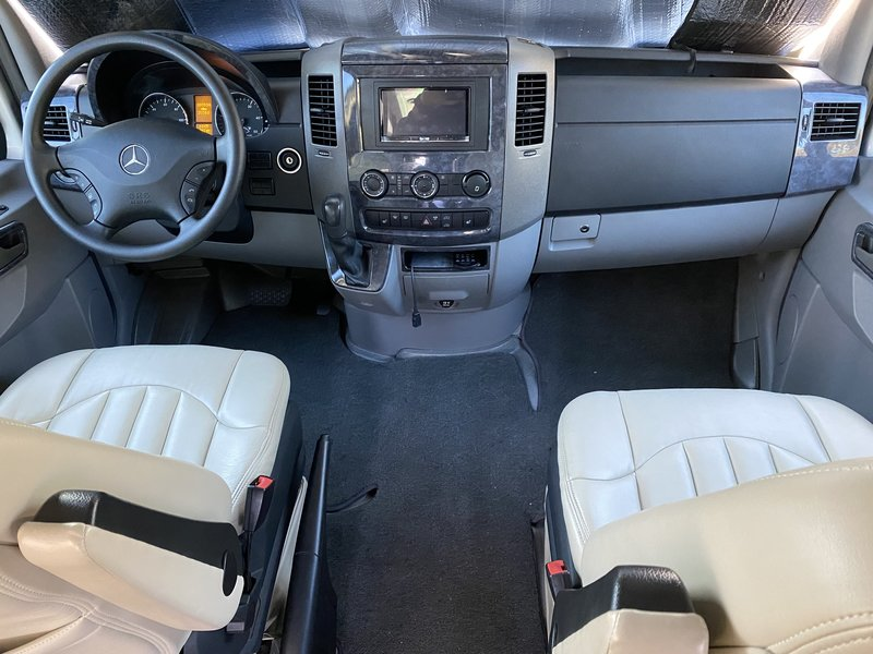 2012 Mercedes Sprinter Airstream Interstate lounge 3500