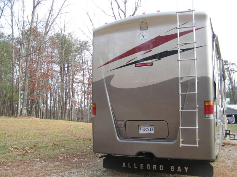 2005 Tiffin Allegro Bay 38TDB