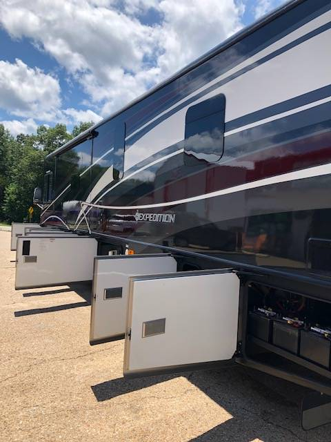 2015 Fleetwood Expedition 38B