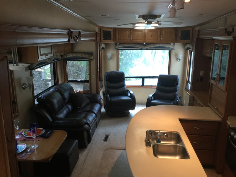 2008 DRV Mobile Suites 36TK3