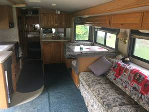 1999 Fleetwood Bounder Diesel Diesel Pusher