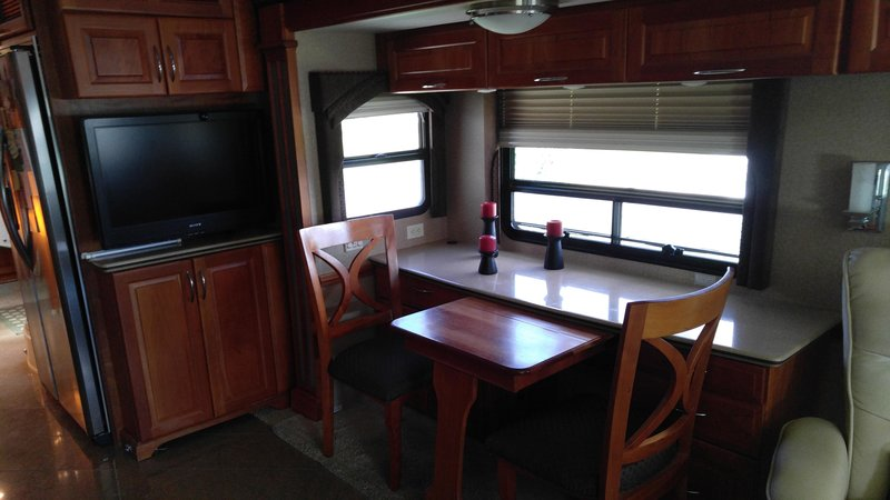 2008 Newmar Mountain Aire 4521