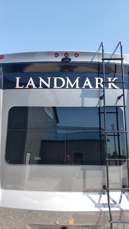 2019 Heartland Landmark 365 Newport