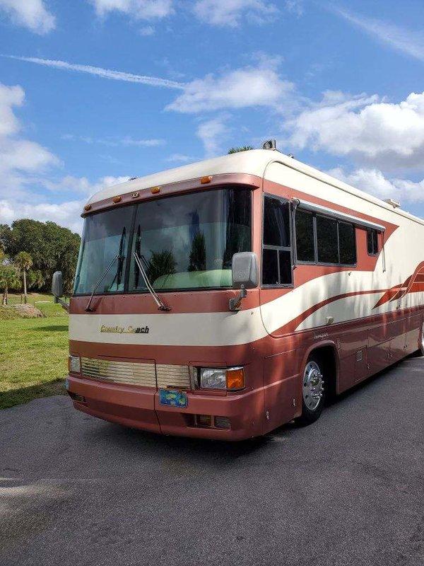 1996 Country Coach Magna 38