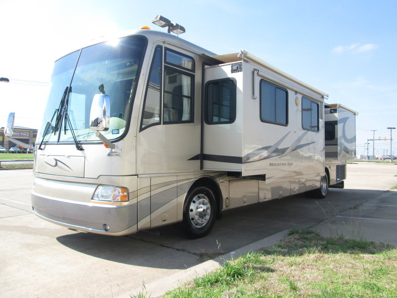 2005 Newmar Mountain Aire 4018