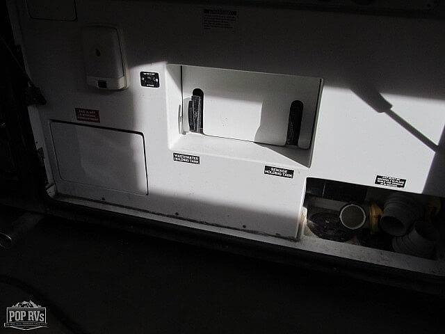 2006 Country Coach Magna Rembrandt 525