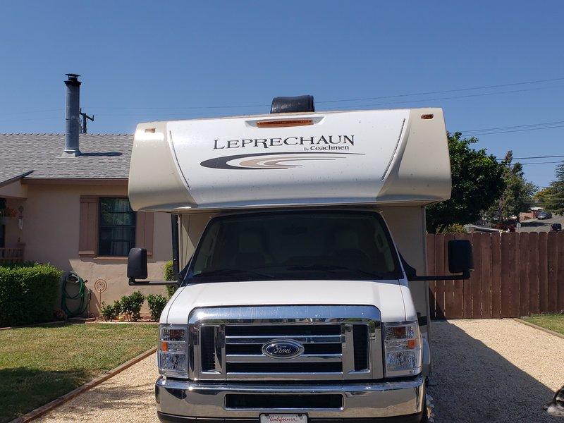 2018 Coachmen Leprechaun 319MB