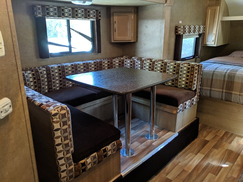 2016 Pacific Coachworks Panther 18rbs