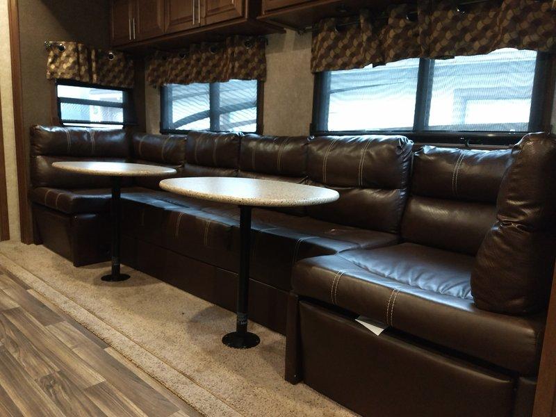 2017 Highland Ridge RV Opon Range 3X 427BHS