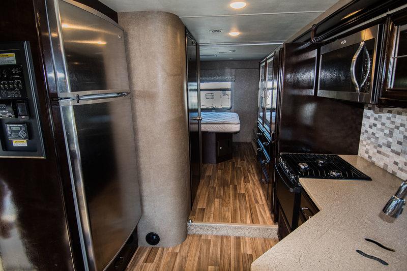 2017 Thor Motor Coach Quantum WS31MA