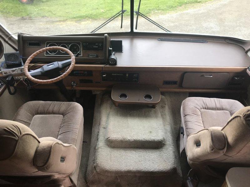 1987 Fleetwood Bounder 34S