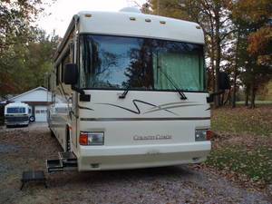 2001 Country Coach Allure