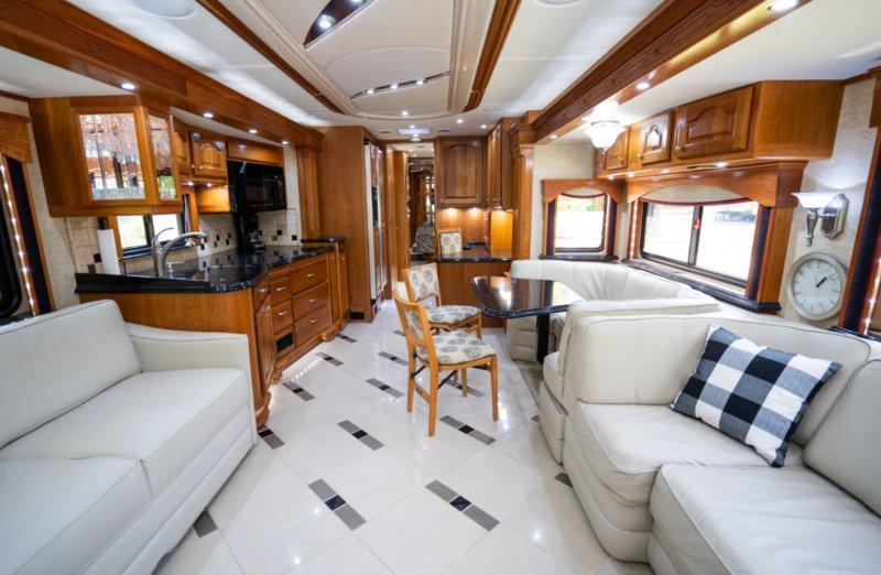 2008 Country Coach Magna 630 Galileo