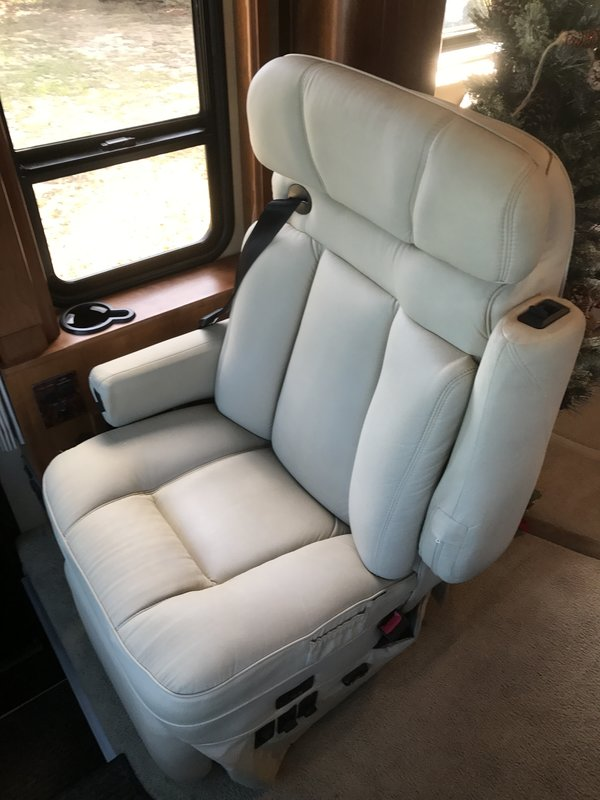 2006 Country Coach Magna 630 Rembrandt