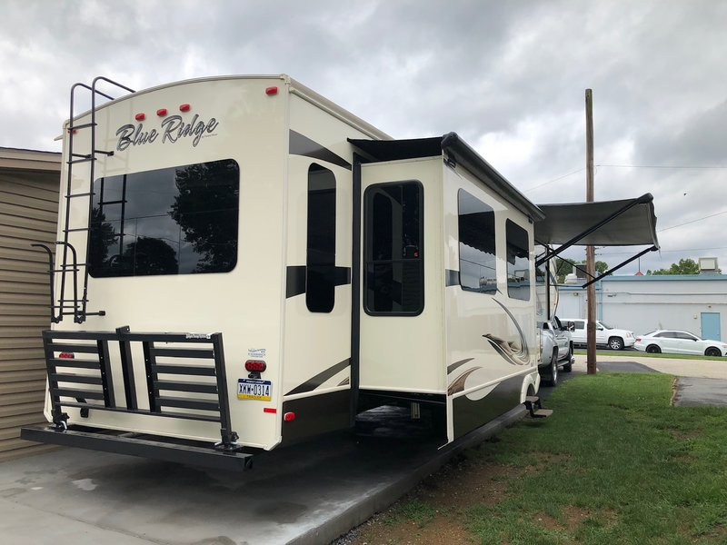 2018 Forest River Blue Ridge 3780LF