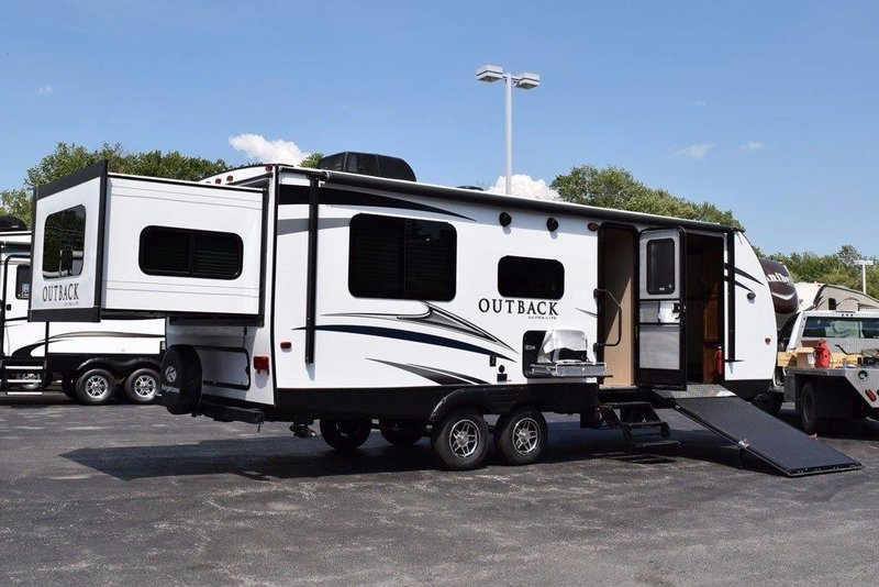 2017 Keystone Outback 240urs Ultra Light