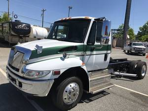 2007 International  4300 LP
