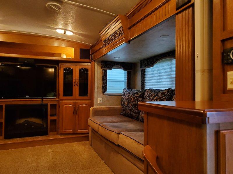 2013 Keystone Montana Hickory 3750FL