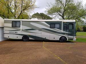 2004 Fleetwood Expedition 34M